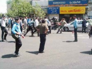 Demonstration in front of  the Syndicate, Tehran. The Moment Keyvan Rafiee was arrested